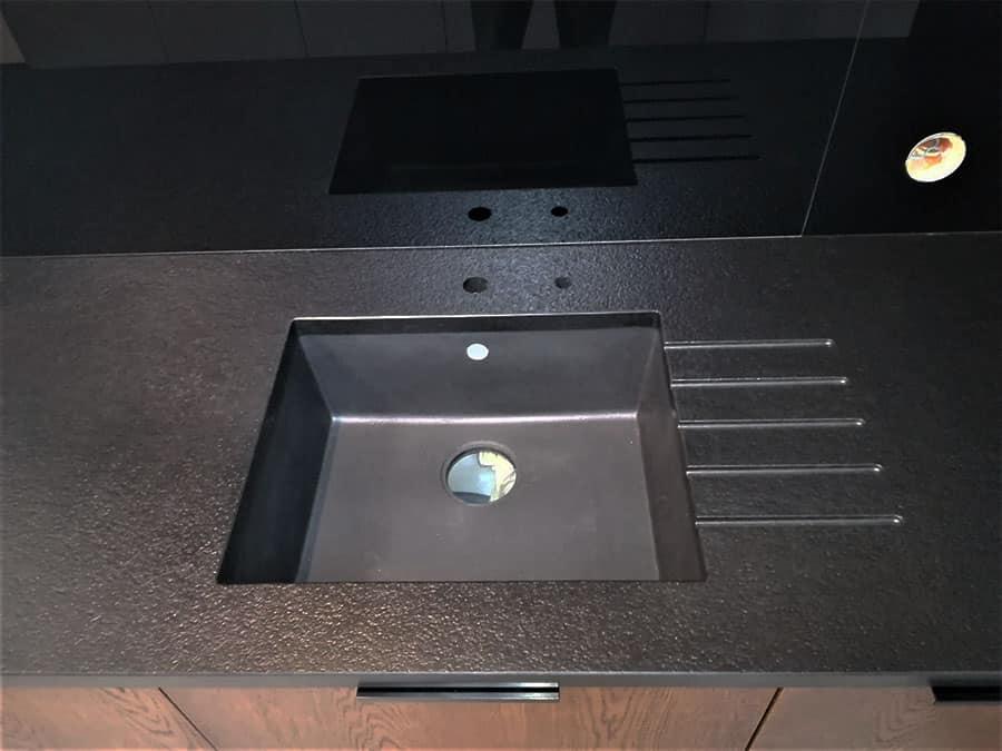 NERO ASSOLUTO satyna granit